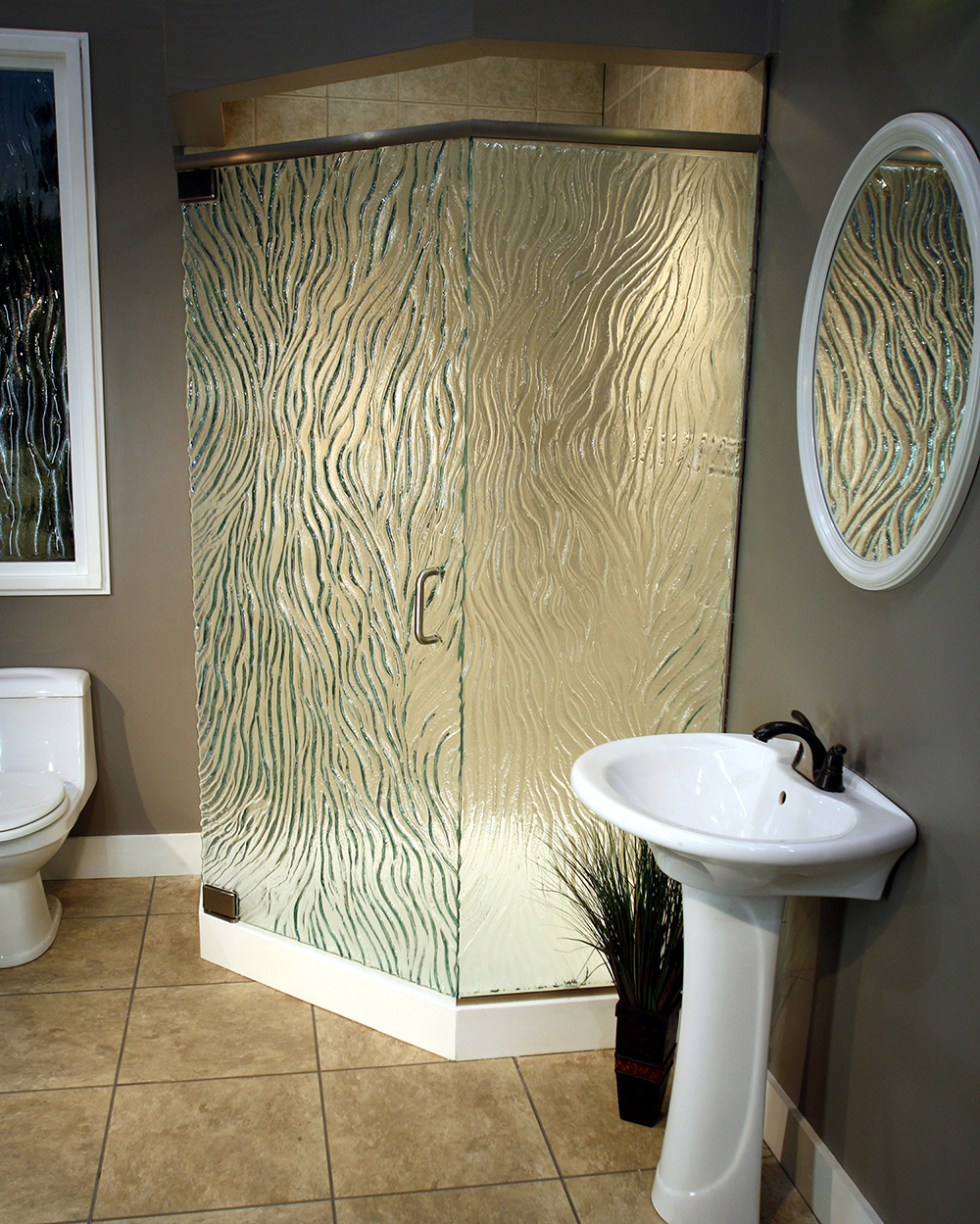 Cast Glass Shower Enclosure - Neo - Creek