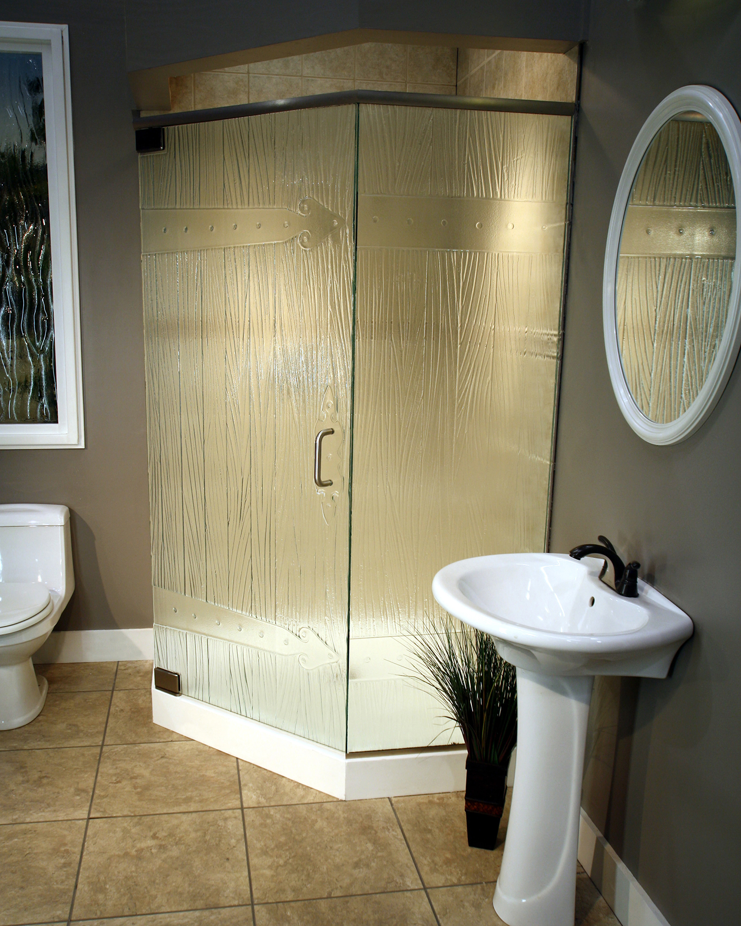 Cast Glass Shower Enclosure - Neo - Lodge