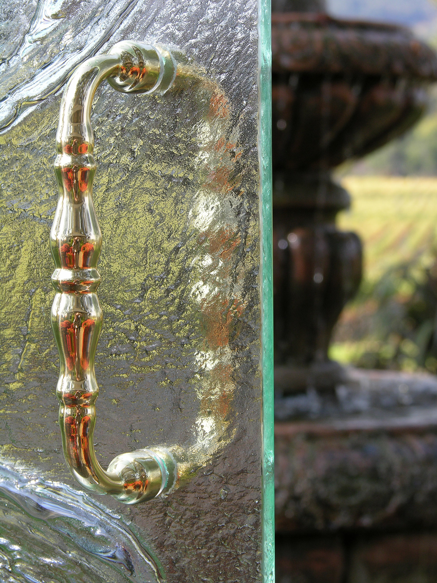 Cast Glass Shower Enclosure - Vineyard - Meander Detail