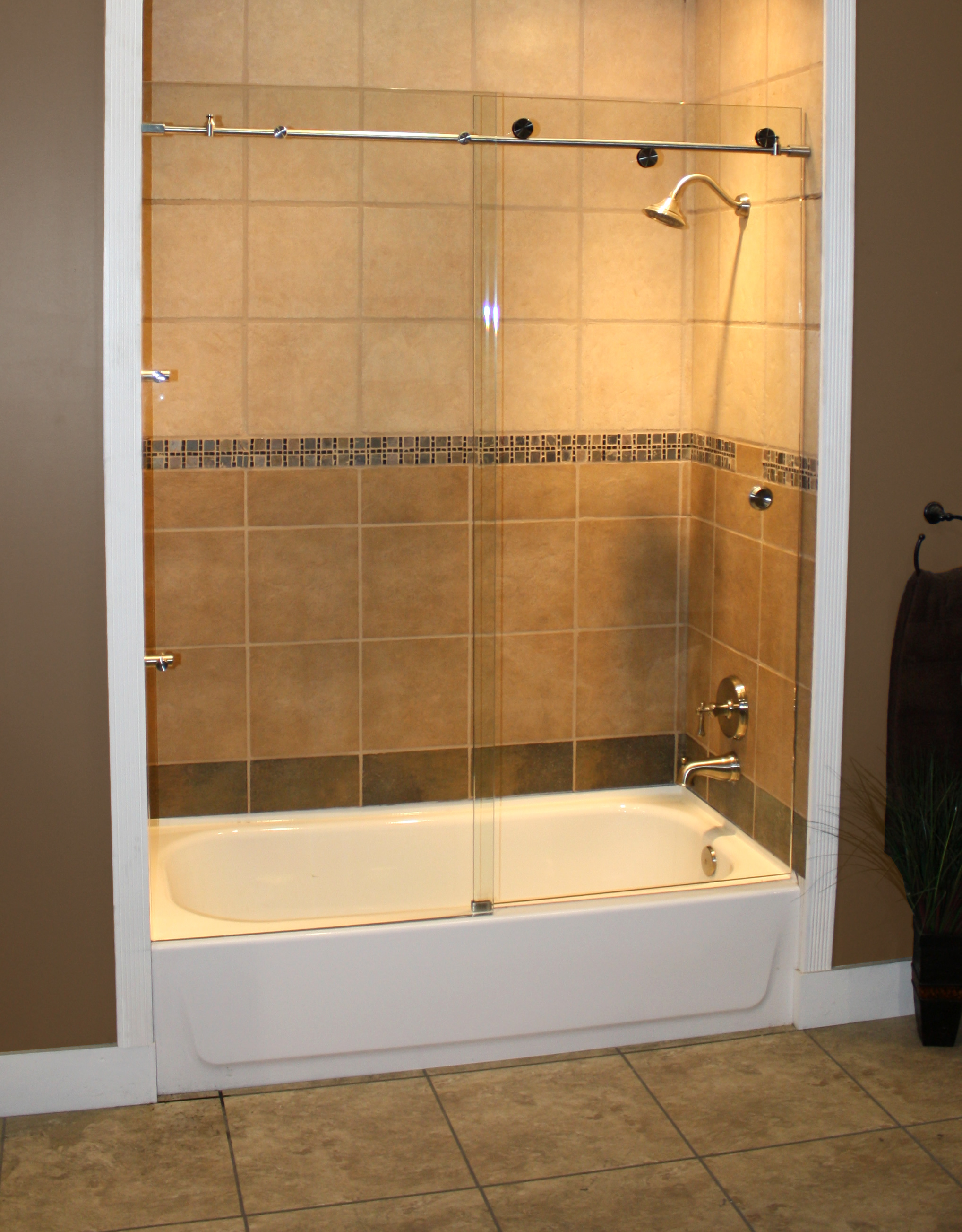 Cardinal Shower Enclosure, Skyline Series - CH-Clear 01