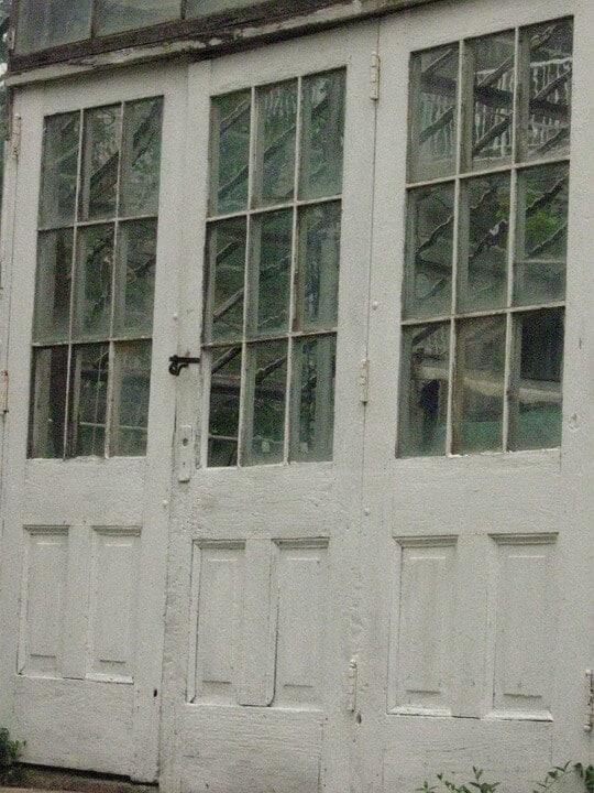 Old Wavy Glass Window Panes In America Pioneer Glass